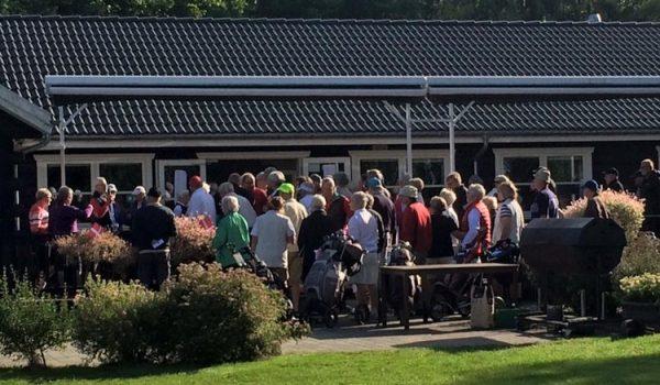 Albertslundgolfklub samling ved klubhus